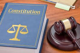 Конституция - самый беззащитный закон...