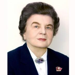 Женщина, которой нас пугали. Скончалась Нина Андреева.